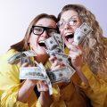 宝くじで高額当選した場合の対処方法