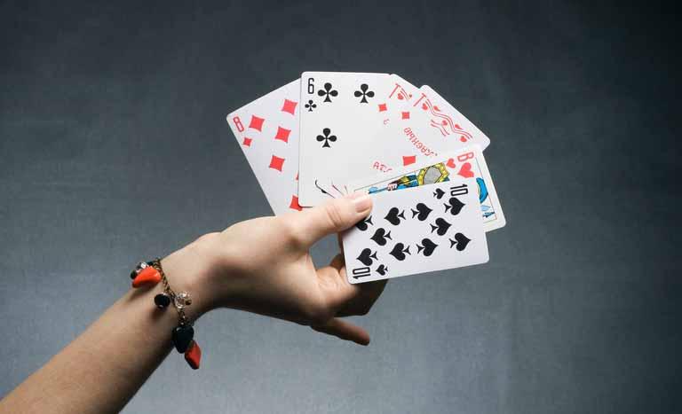 トランプは「cards」または「playing cards」
