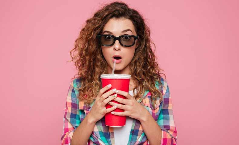 Coke(コーク)とcola(コーラ)の違い、炭酸飲料を英語でどういうか?