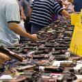 アメリカの主婦は買い物に行くのにも銃を持つのか?