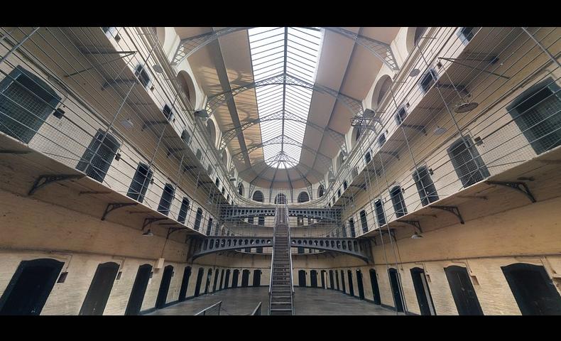 刑務所・牢屋