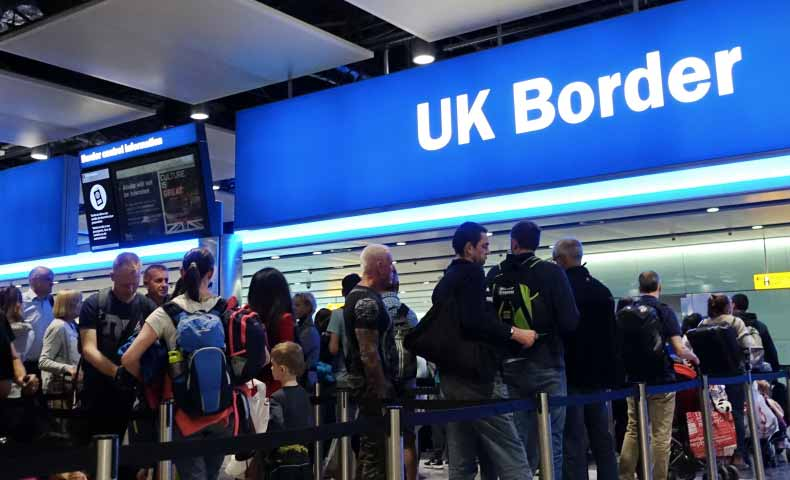 イギリス英語の「queue」