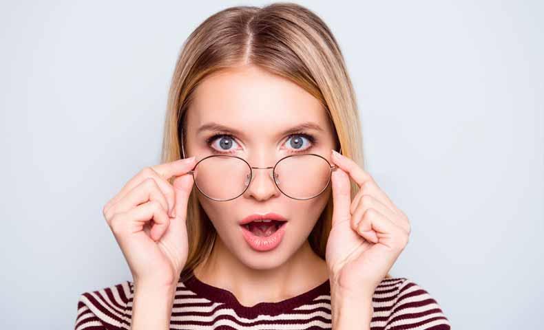 メガネ(glasses)の意味と使い方