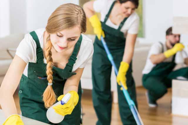 清掃業者の客