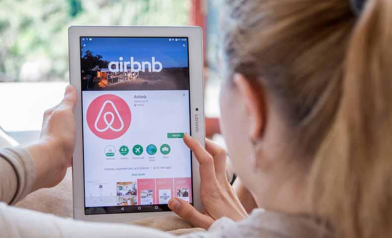 airbnbの名前の意味