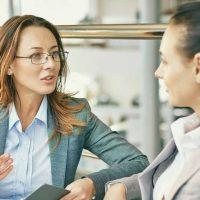 consult / consulting / consultation / consultantの意味と使い方