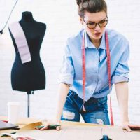 tailorの意味と使い方、オーダーメイドとの違い
