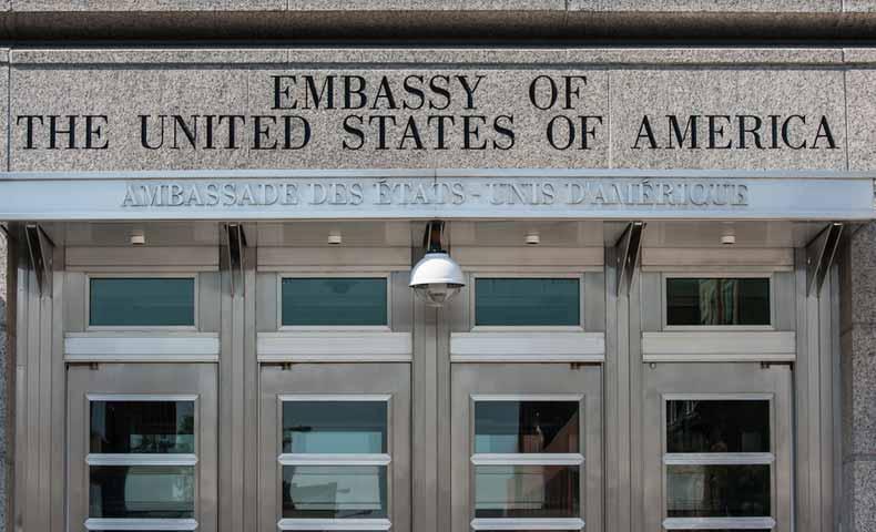 領事館と大使館の違い