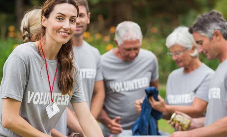 volunteerの意味と使い方、ボランティアは無償なのか?
