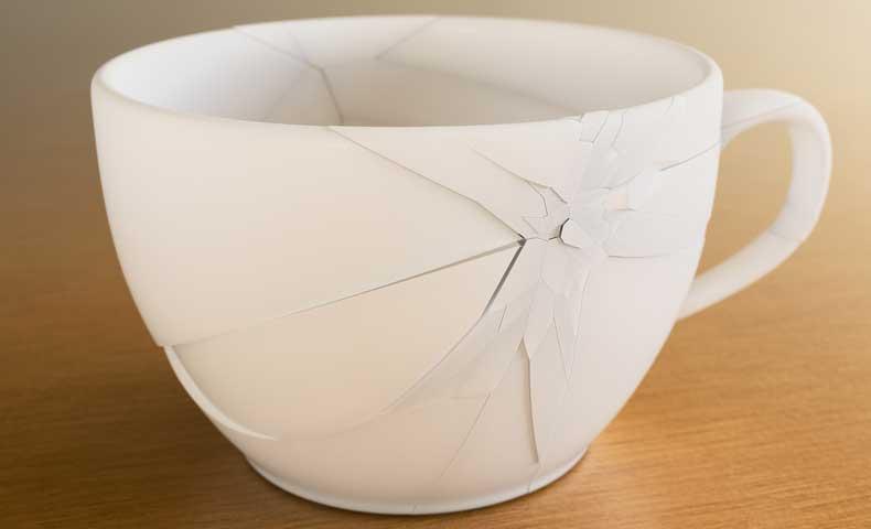 cracked(形容詞)