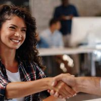 contract(契約・医療・小さくなる)の意味と使い方