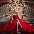 throne / enthroneの意味と使い方