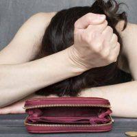「破産・破綻・倒産」のbankruptcy / bankruptの意味と使い方