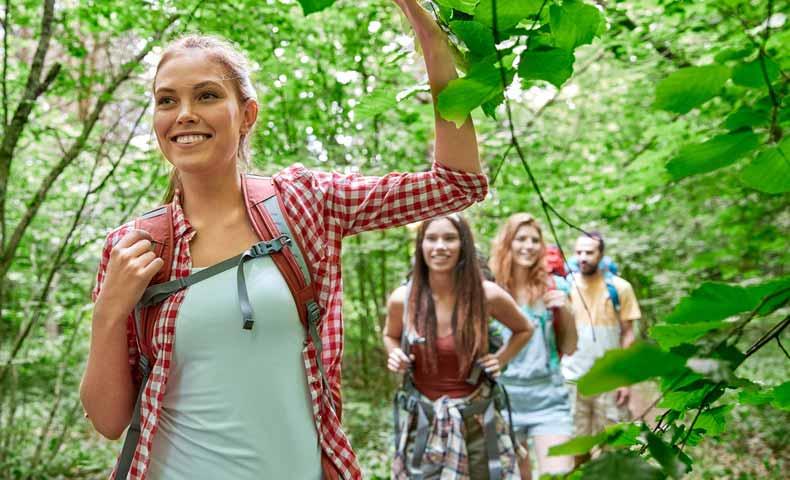 hike / hikingの意味と使い方