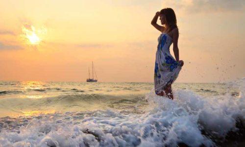 wave(波・手を振る)の意味と使い方