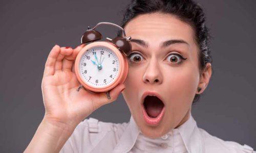 curfew(門限・時間制限)の意味と使い方
