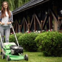 mow(刈る)の意味と使い方