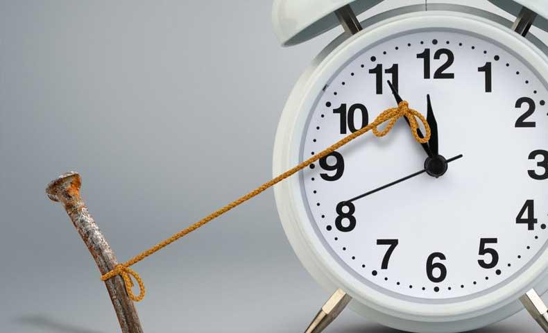 時計が遅れる