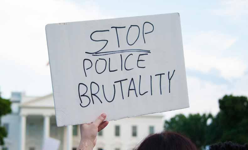 brutalityの意味と使い方