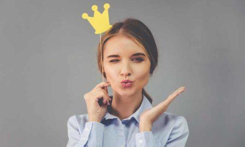 crown(王冠・クラウン)の意味と使い方