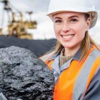 mine(鉱山・地雷・採掘する)の意味と使い方